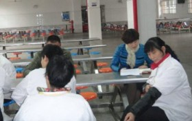 总务科召开新学期食堂工作会议